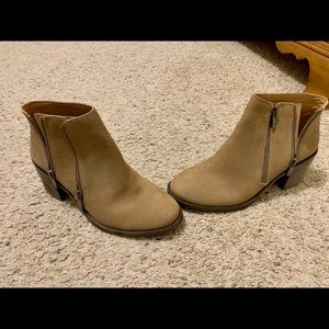Lucky Brand boots size 9. New never worn.
